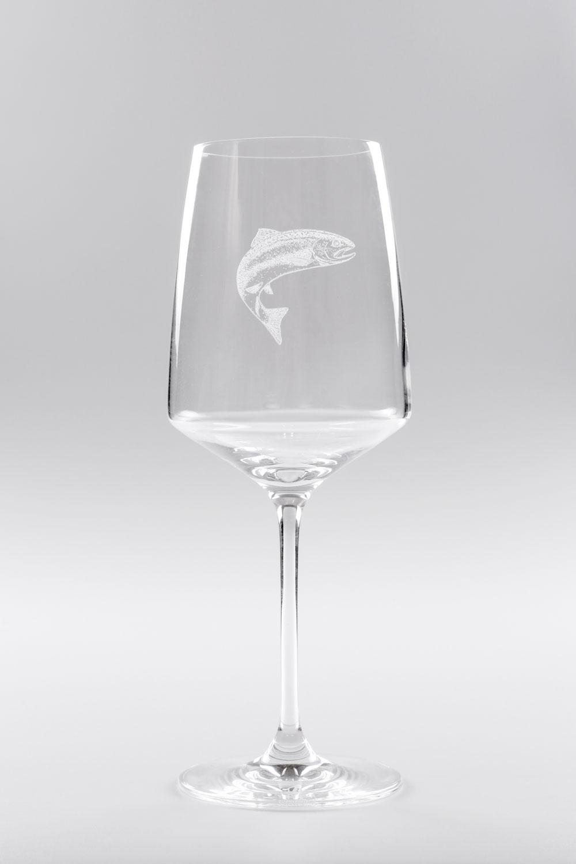 Glas mit Fisch Motiv Gravur